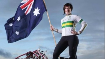 thumbnail_Anna Meares will carry the flag